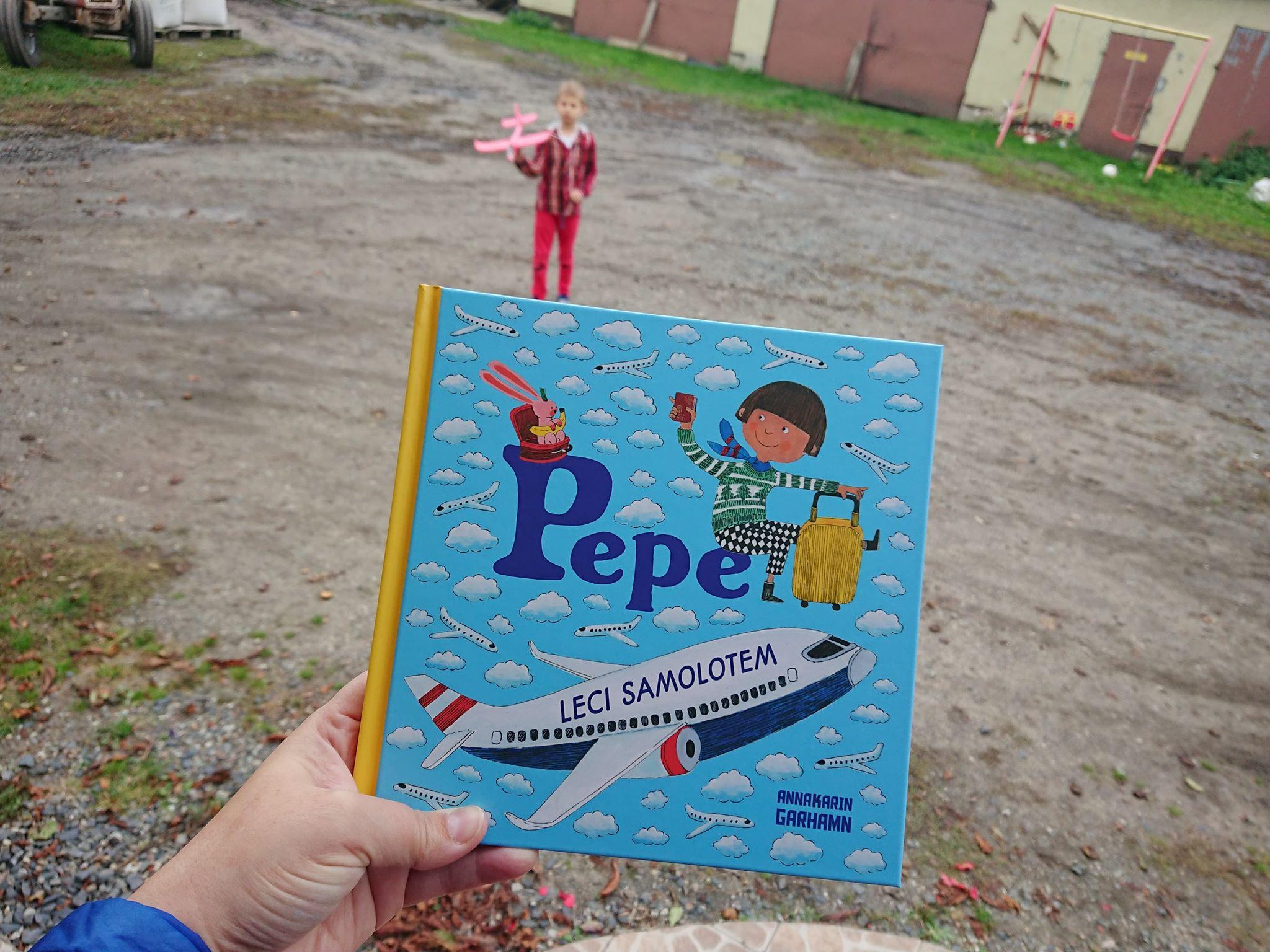 Pepe leci samolotem